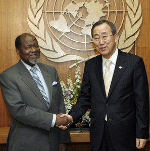 Joaquim Chissano with UN's Secretary General Ban Ki-moon
